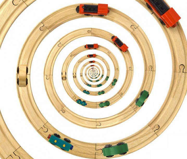 Steam Locomotive Toy Spiral Rails Cutout
